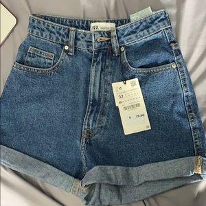 ZARA High Waisted Mom Fit shorts size 0 / 32